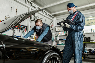 Automotive technicians and mechanics leverage F110 to diagnose problems, upload data, and communicate with customers, all from the workshop-floor.