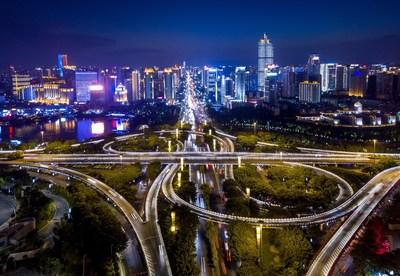 Photo shows the night view of Zhuxi overpass in Nanning, south China. (Xinhua/Li Xin)